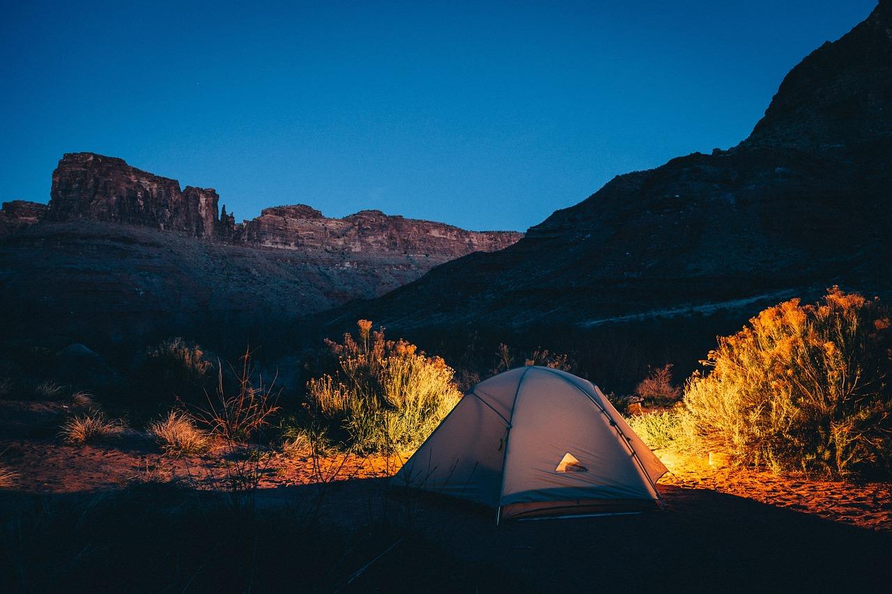 ゆるキャン△に学ぶ!秋冬に向けて至高のキャンプをしてみよう!キャンプ聖地とオススメキャンプグッズをご紹介 します