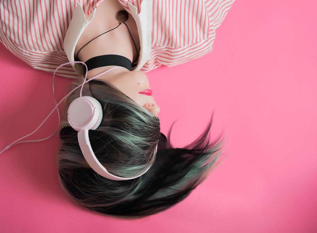 アニメ好きオススメ音楽アプリ!ANiUTa(アニュータ)のダウンロード方法やPCで使えるかを解説